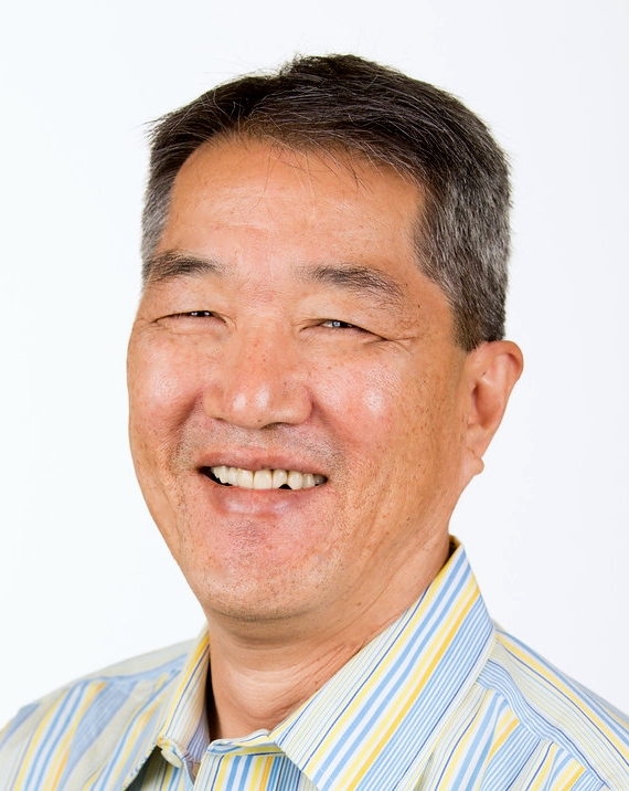 Dennis Kanemitsu Headshot